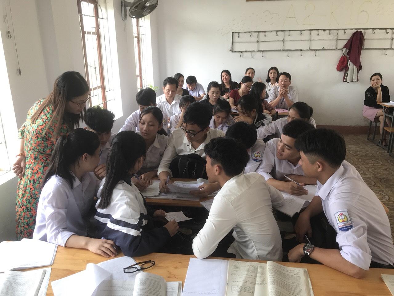 Gia sư dạy kèm lớp 10